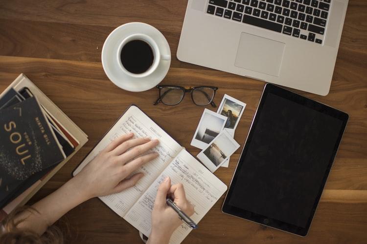 Vicino Aprende | Guía de buenas prácticas para no perder el ritmo de trabajo, desde el living ;)
